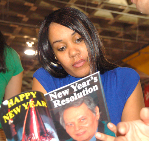 Mr_Goudas_Books_New_Years_Resolution_Lotta