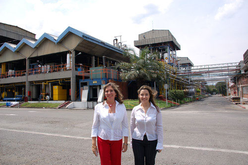 The next day Shortening Factory Visit  In the picture below is Maria Elena Collazos and Paola Puccini Lizarazo.