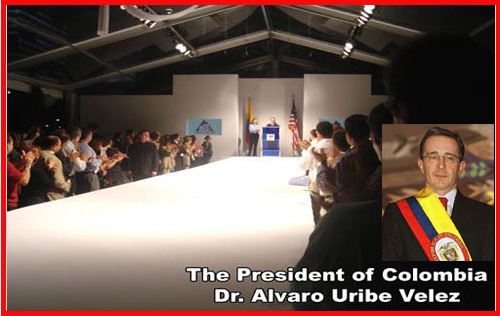 The opening ceremony of the fashion show began with a speech from the President of the Republic of Colombia, Dr. Alvaro Uribe Velez, who according to my opinion was very popular to the people.
